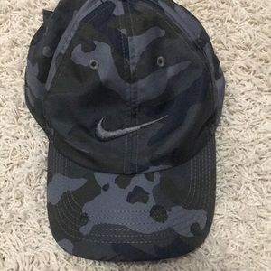 Black camo Nike dry fit hat adjustable metal back